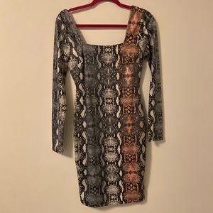 Fashion nova snake print body con dress NWT